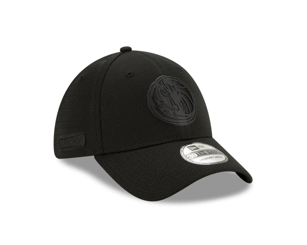 DALLAS MAVERICKS NEW ERA 3930 BACK HALF FITTED CAP
