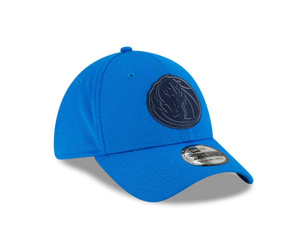 DALLAS MAVERICKS NEW ERA 39THIRTY DASH MARK FITTED CAP