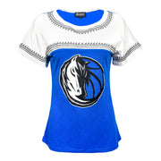 DALLAS MAVERICKS GAMEDAY COUTURE WOMENS EMBROIDERED TEE WHITE ROYAL