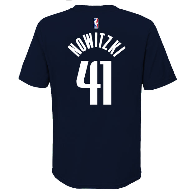 DALLAS MAVERICKS KIDS NOWITZKI STATEMENT NAME & NUMBER TEE