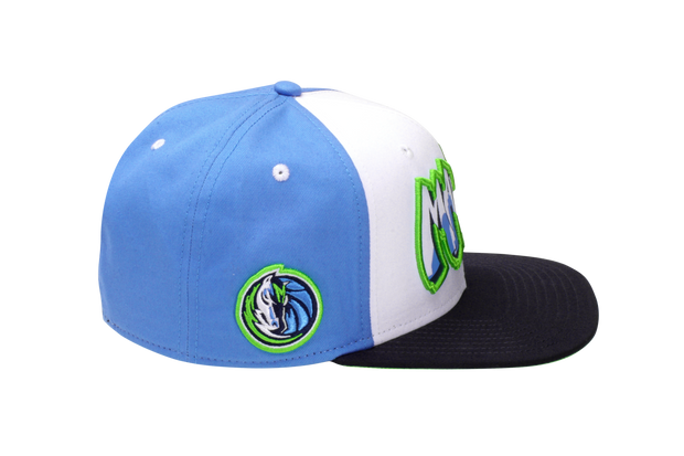 DALLAS MAVERICKS CITY EDITION 19-20 SKYLINE GRAFFITTI WORDMARK SNAPBACK CAP