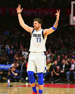 DALLAS MAVERICKS DONCIC 3 POINT 8X10 PHOTO