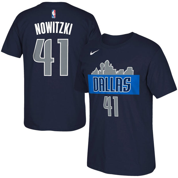 DALLAS MAVERICKS KIDS DIRK SKYLINE N&N TEE