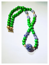 Load image into Gallery viewer, Kelly Green Beaded Necklace
