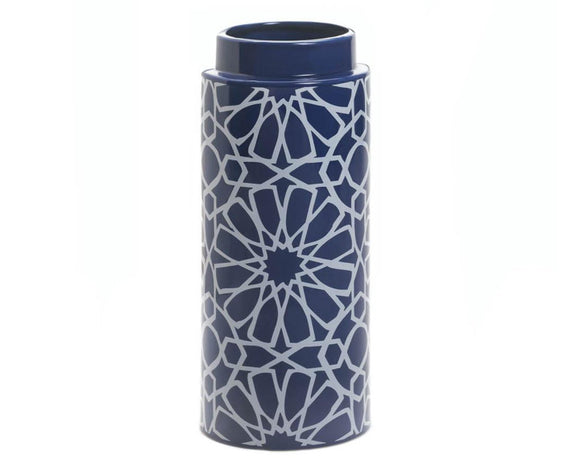 Pantone color of the year, Blue vase, Blue and white, Geometric, Floral, Moroccan, Coastal style, Coastal farmhouse, Ballard Designs, Pottery Barn style, JaBella Deigns, Murfreesboro