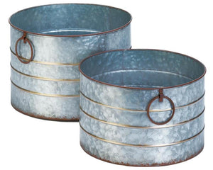 Round coastal farmhouse galvanized metal planters