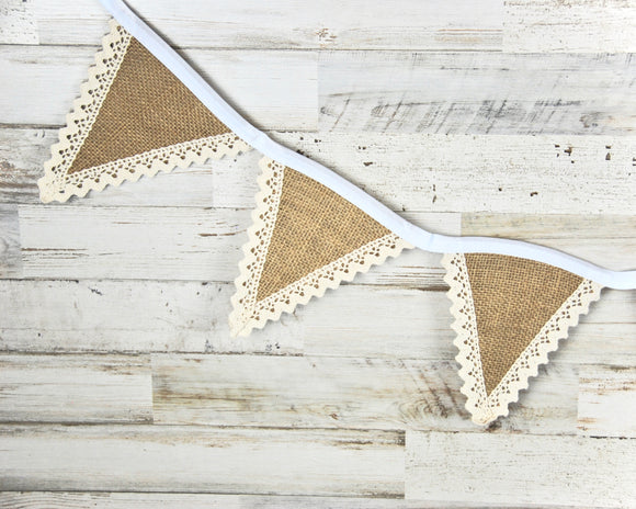 Burlap pendant banner with lace trim