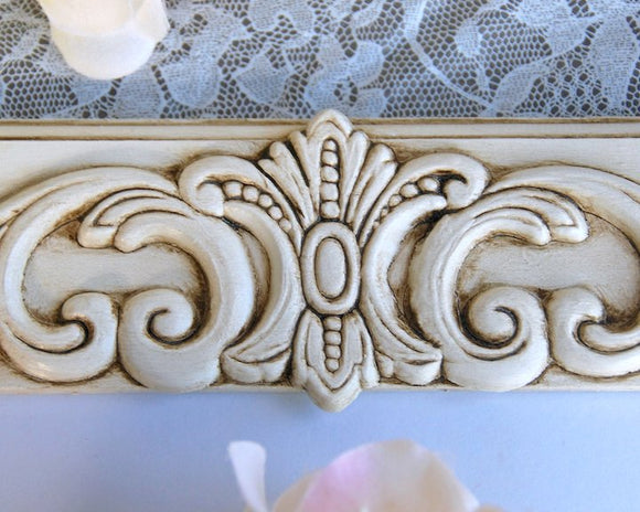 Ornate antique white shabby farmhouse chic 5x7 wooden wall gallery picture frame