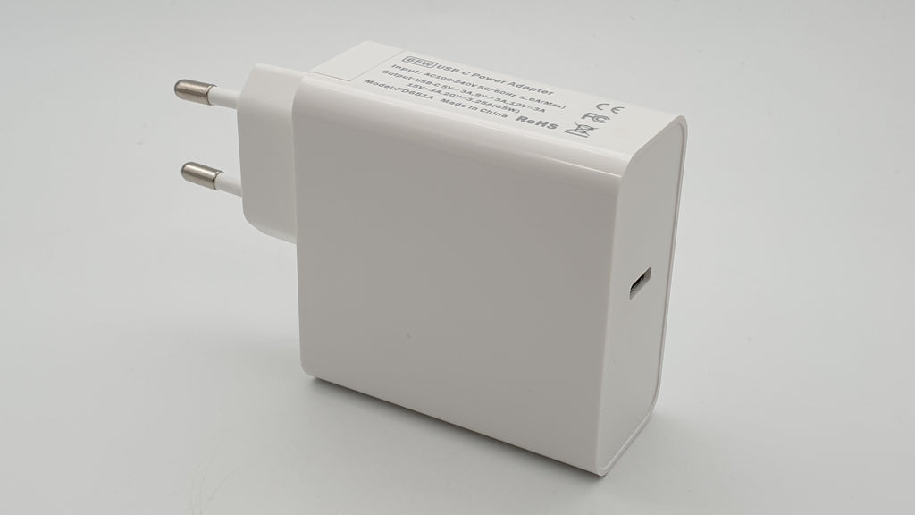 PD 65W power supply with USB-C connector