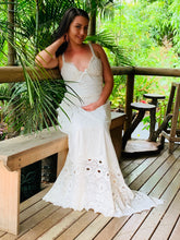 Ellis vintage lace bridal Gown (6-12)