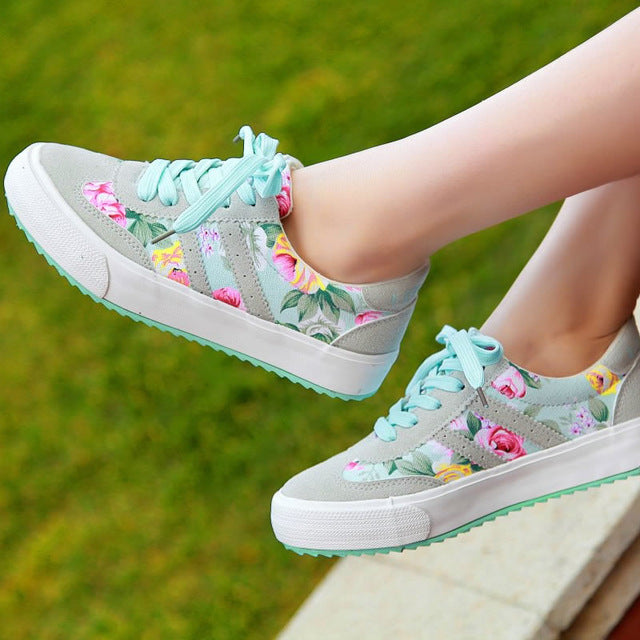 Women Casual shoes print Walking shoes laces women Canvas Sneakers shoes 2018 platform fashion tenis feminino