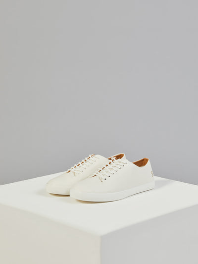 Kiln Trainer In White