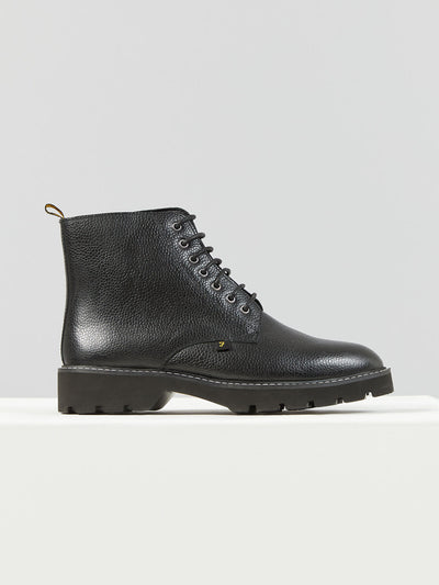 FINIAN LEATHER BOOT IN BLACK