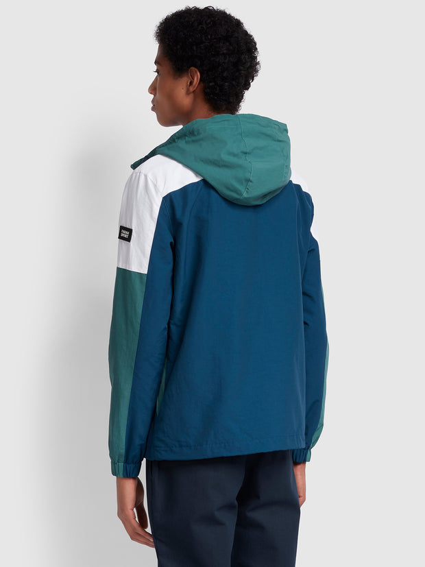 RAE PANELLED WINDBREAKER IN GREEN BISCUIT