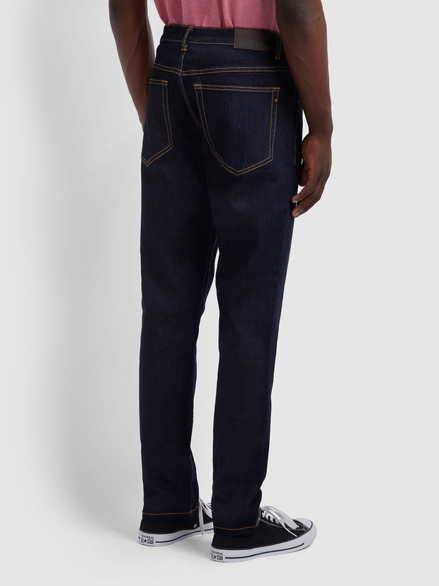 DAUBENEY TAPERED FIT STRETCH JEANS IN RINSE DENIM