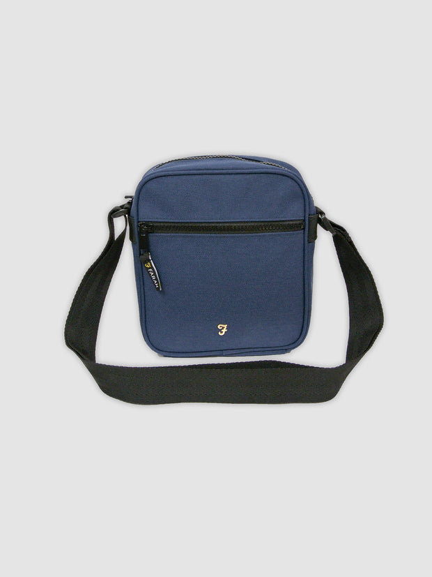 HELIX HOPSACK FLIGHT BAG IN TRUE NAVY
