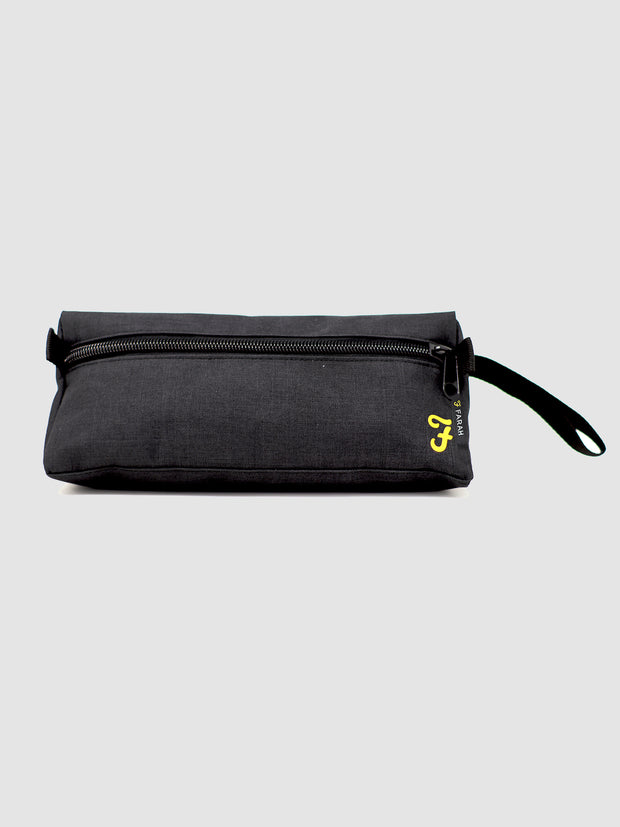 WADLOW WASH BAG IN DEEP BLACK