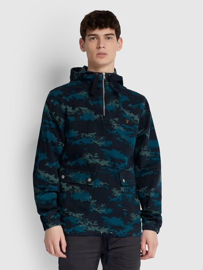 DAVID CAMOUFLAGE PRINT OVERHEAD JACKET IN TRUE NAVY