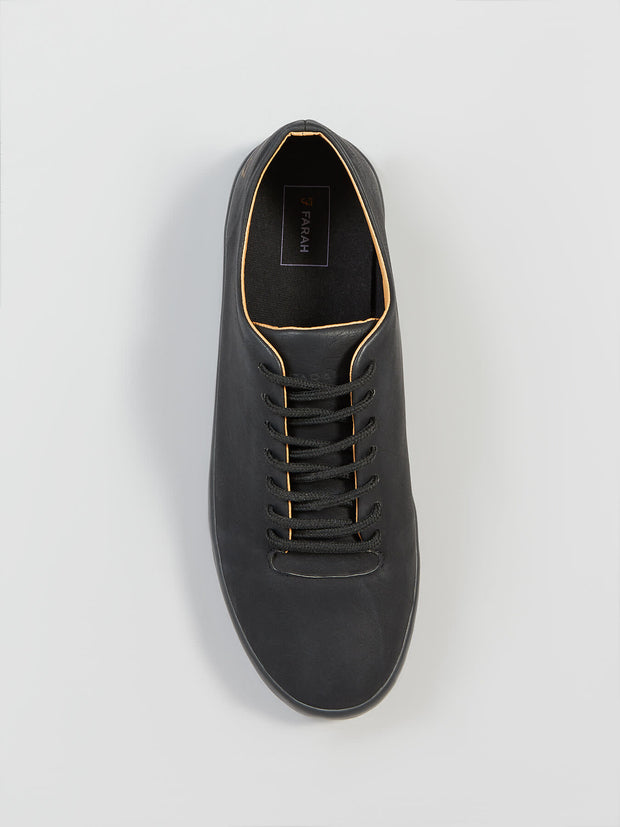 KILN TRAINER IN BLACK