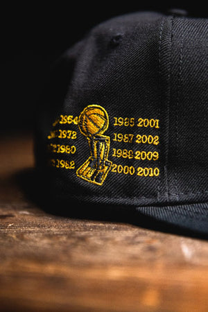LOS ANGELES LAKERS RETRO CHAMPIONSHIP '7' SNAPBACK
