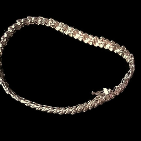 Elegant Diamond-Cut Bracelet