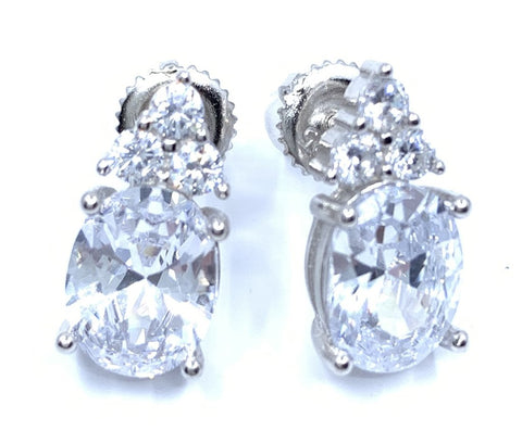 Marvelous Oval Shape Stud Earrings