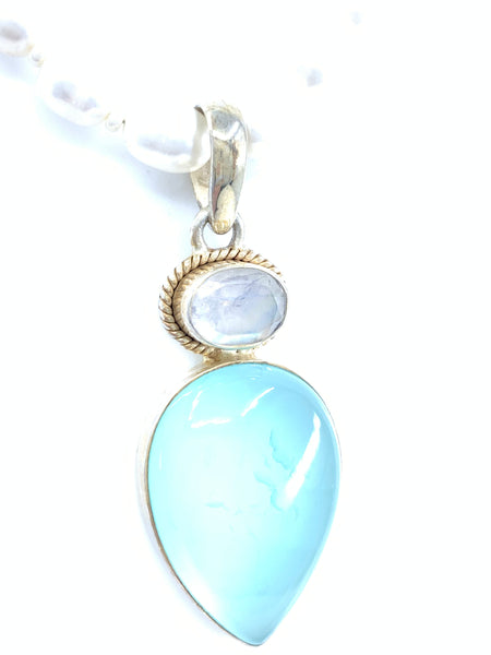 Gorgeous Classical Teardrop Chalcedony With Moonstone Pendant