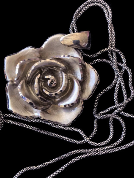 Italian Diamond Cut Sterling Silver Satin Rose Necklace