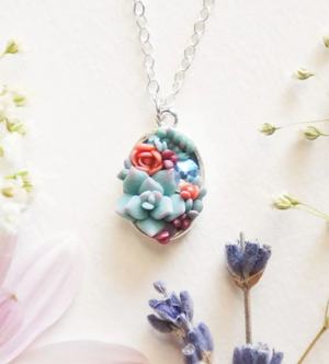 Bitty Oval Succulent Necklace
