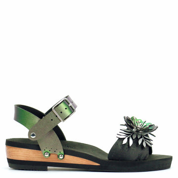 Low Wedge Flower Toe Ankle in Midnight and Emerald