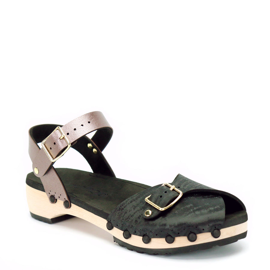 Low peep toe ankle clogs with wooden heel