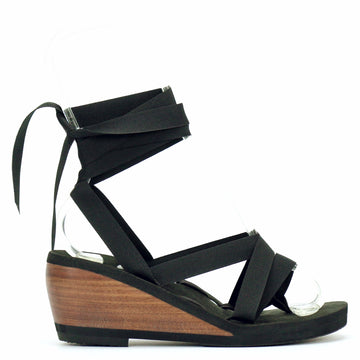 Mid wedge thong ribbon sandal laced with black ribbon