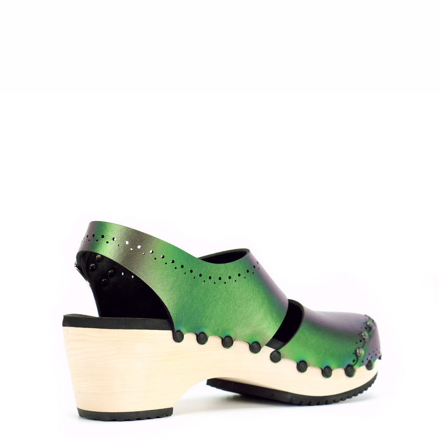 Mid Clog Closed Toe Slingback in Emerald