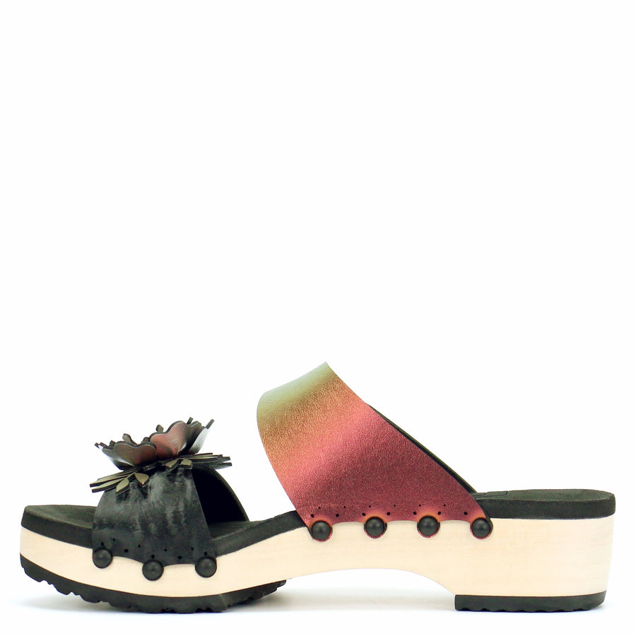 Low Clog Flower Toe Mule in Midnight and Ruby - Mohop