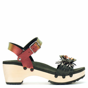 Mid Clog Flower Toe Ankle in Midnight and Ruby