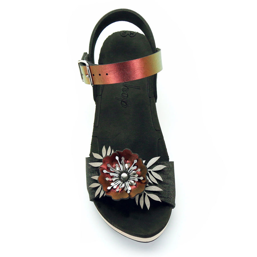 Mid Clog Flower Toe Ankle in Midnight and Ruby - Mohop