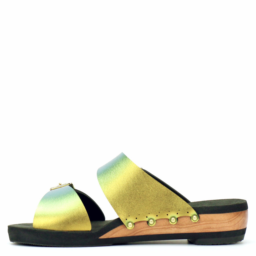Low Wedge Buckle Toe Mule in Scarab - Mohop