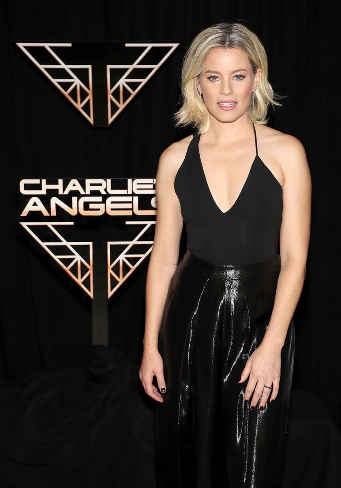 ELIZABETH BANKS WEARS VALENTINA LOBE CUFFS AS A RING