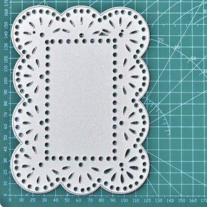 Waving Border Eyelet Backdrop Dies
