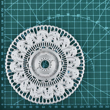 Load image into Gallery viewer, Thin Border Doily Dies