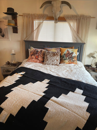 The Pueblo Blanket-Black
