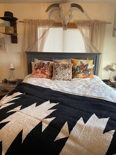 The Casita Blanket-Black