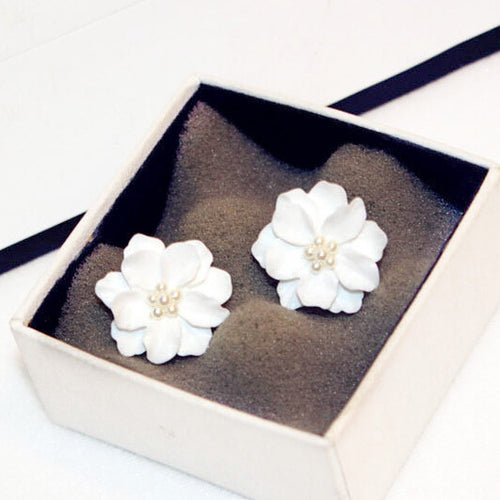 STYLISH OVER SIZED WHITE FLOWER STUD EARRINGS