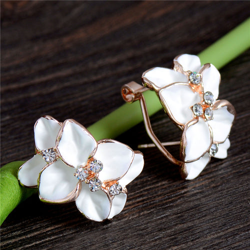STYLISH 4 PETAL AUSTRIAN GEM STUD EARRINGS [3 COLORS]