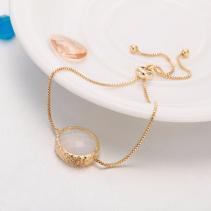 GOLDEN METAL STRING OVER-SIZED GEM PENDANT BRACELET