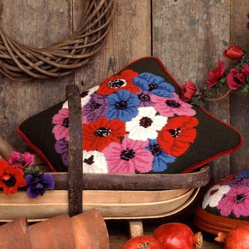Anemones - Tapestry And Needlepoint