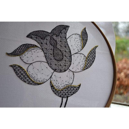 Tulip - Embroidery