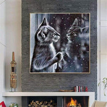 Load image into Gallery viewer, Full Drill - 5D DIY Diamond Painting Kits Winter Black And White Cat In Mirror - NEEDLEWORK KITS