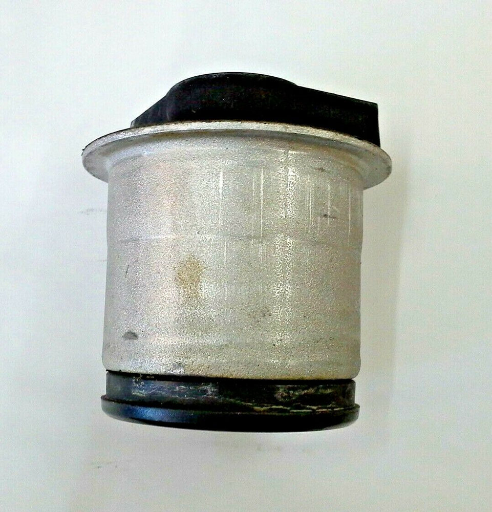 Vauxhall Astra H Meriva B Zafira B Rear Axle Bush New OE Part 13267215 13110418
