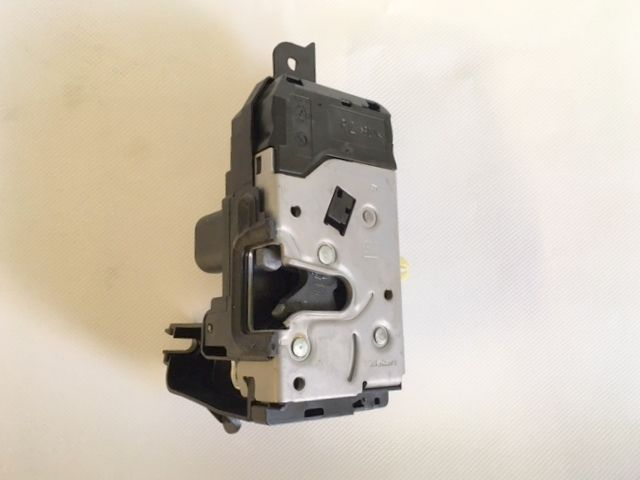 VAUXHALL ASTRA ZAFIRA O/S FRONT DOOR LOCK MECHANISM KEYLESS 13210747 NEW